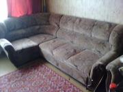 угловой мягкий диван и кресло